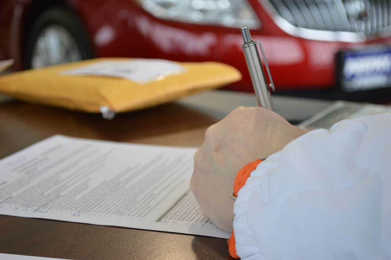Czy warto zaciągać pożyczki? W jaki sposób to robić?